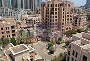 Full Burj Khalifa view  Beautiful apartment in Old Town Miska 4.