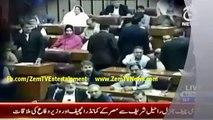 Imran Khan Vs Khawaja Asif _ Khan Calls Khawaja Sara to Khawaja Asif - 7th April 2015