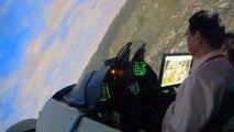 2013台北國際航太暨國防工業展覽會 國防館F16 飛行模擬器第3次獨力起降練飛 F16 飛行模擬