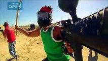 une bataille de paintball épique dans le desert