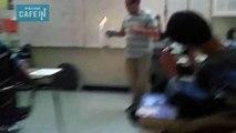 Ce prof de physique-chimie met le feu à sa classe