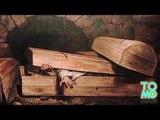 UNE MORTE-VIVANTE EST MORTE: Une femme revient à la vie puis s'étouffe dans son cercueil