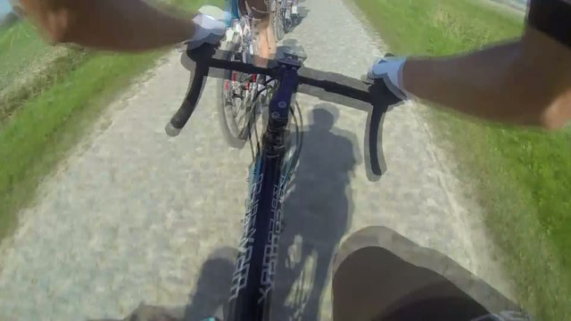 Cyclisme - Paris-Roubaix : Dépasser sur les pavés