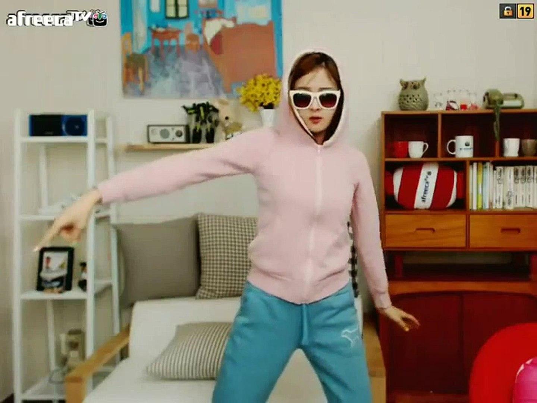 Korean dance Crayon Pop - Dancing Queen[1]