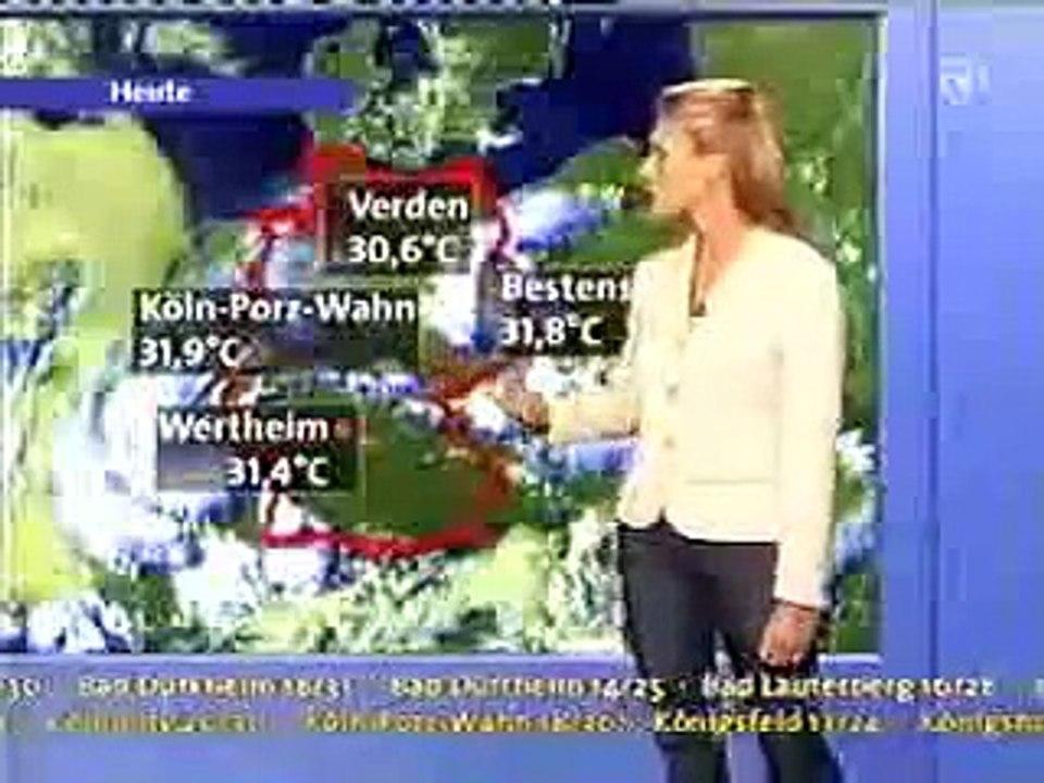 Claudia Kleinert WDR-AKS-Wetter im roten (fast) Minikleid | Doovi
