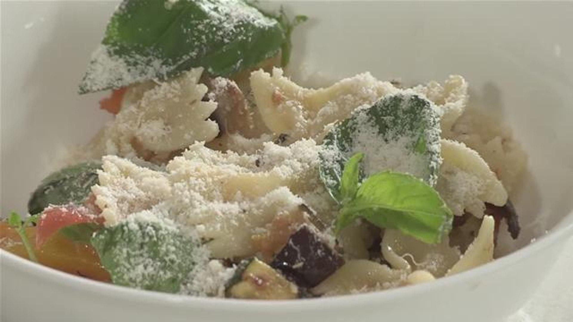 How To Prepare An Italian Style Salad
