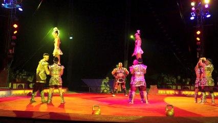 """Circus Krone """"Evolution"""" Premiere Theresienwiese, München  02.04.2015"""