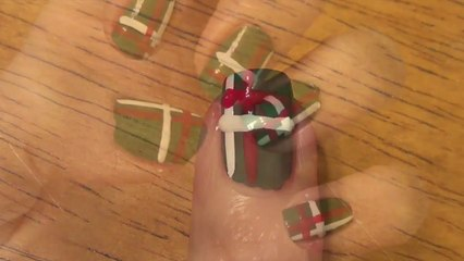 Beginner Nails:  Holiday Nails #2