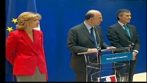 Archive - Passation de pouvoirs entre Valérie Pécresse et Pierre Moscovici, accompagné de Jérôme Cahuzac