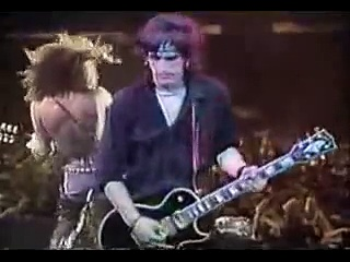 Guns N' Roses- Knockin' On Heaven's Door (Live)