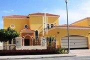 Beautiful 3 M Legacy small villa Package 3 in Jumeirah Park