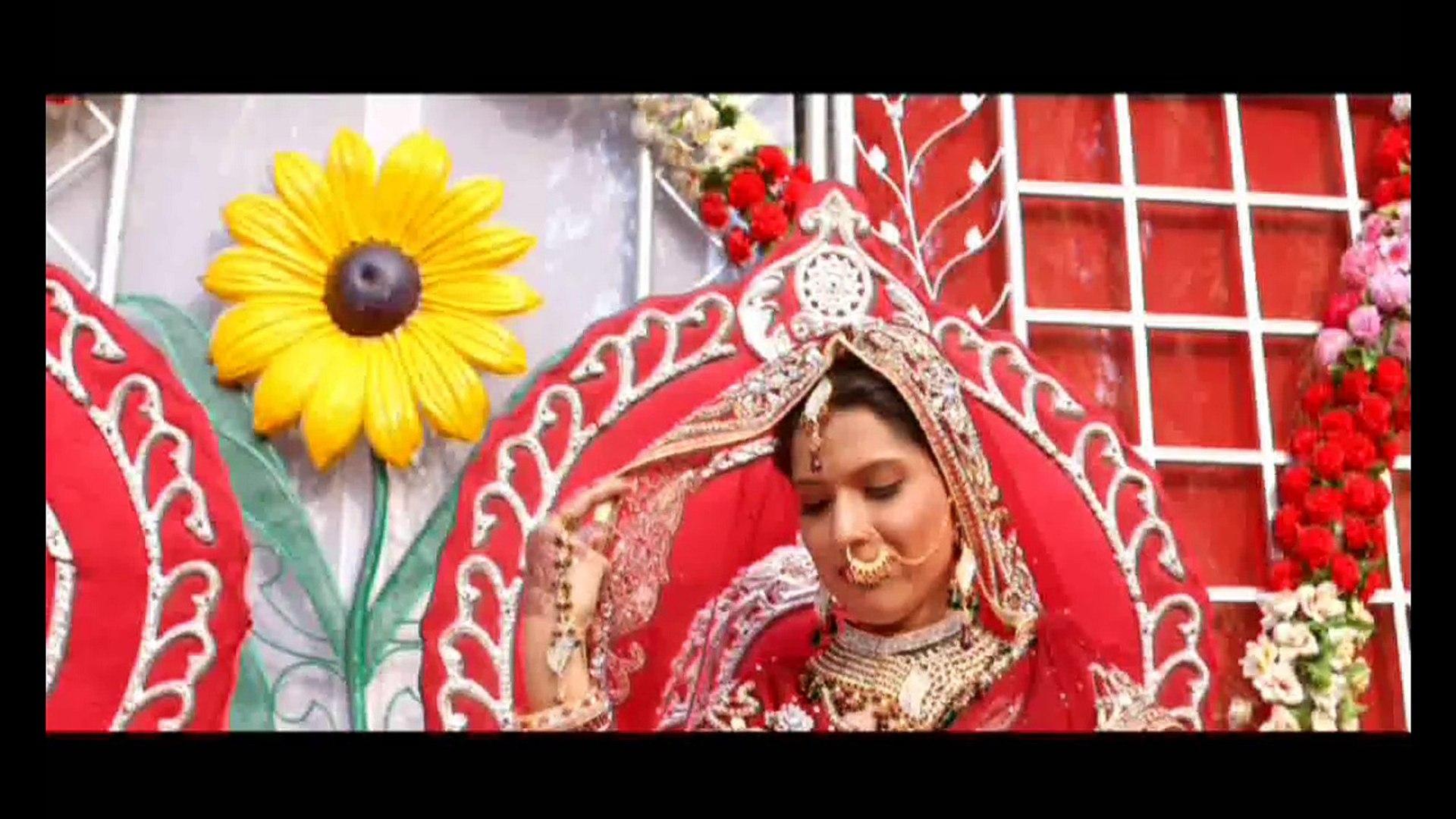 Badal Chhatey - Song - Movie: Tere Ishq Mein Qurbaan - Singers: Udit Narayan, Madhushree