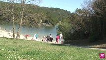 Comme un avant-goût d'été au bord du lac de la Cavayère, pris d'assaut par les vacanciers de ce printemps.
