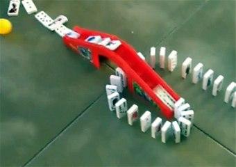 Jacksons never ending domino chain
