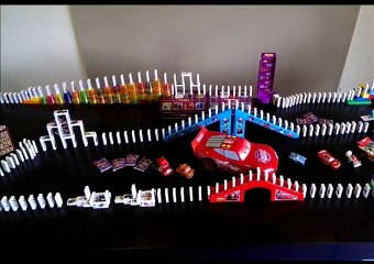Our Big Woolworths Stars Domino Chain