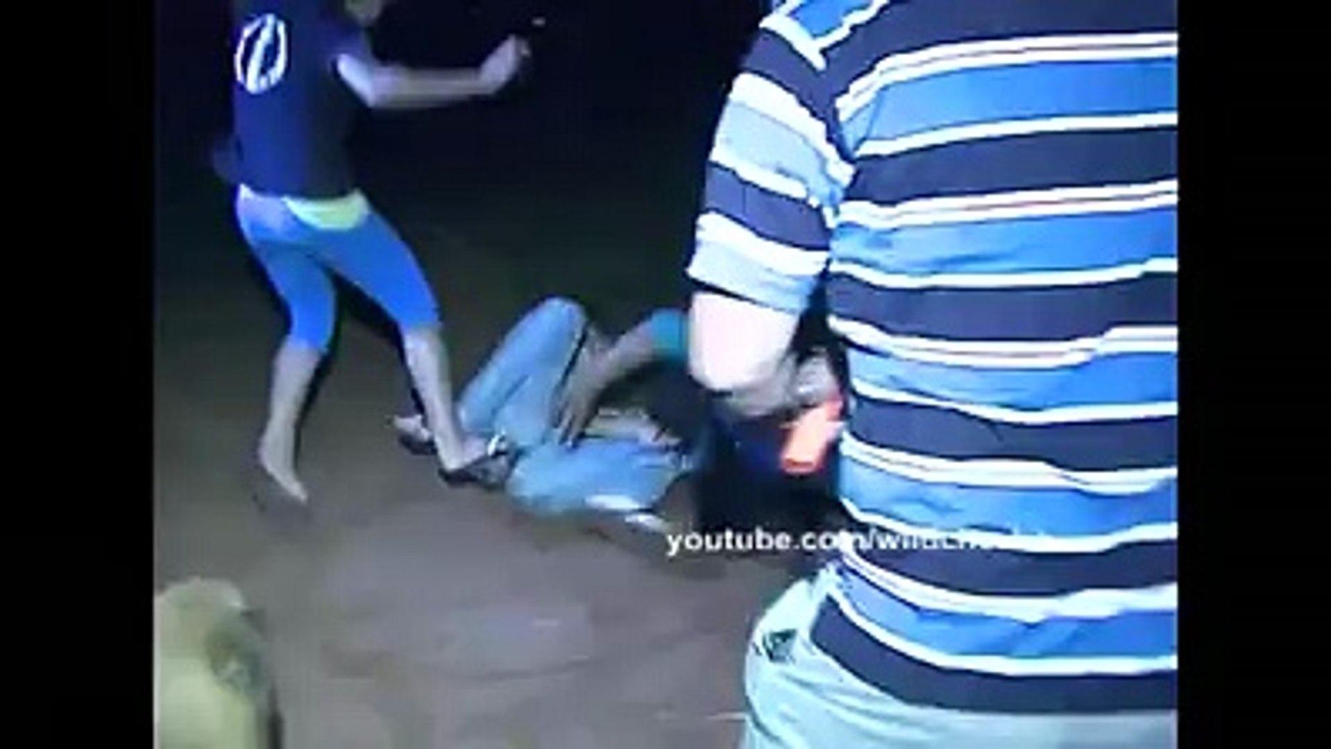 Very Amazing, Funny fight girls & boys both