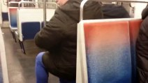 Quand les Portes du Métro Parisien reste Ouverte entre deux Stations