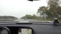 Une Porsche 918 poursuit une koenigsegg Agera R à plus de 350km/h sur une autoroute