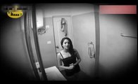 Soyunan Genç Kız Kameraları Fark Edince