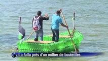 A Gaza, un bateau fait de bouteilles en plastique