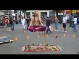 awesome street performer illusion