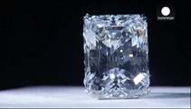 Un diamant rare de 100 carats aux enchères