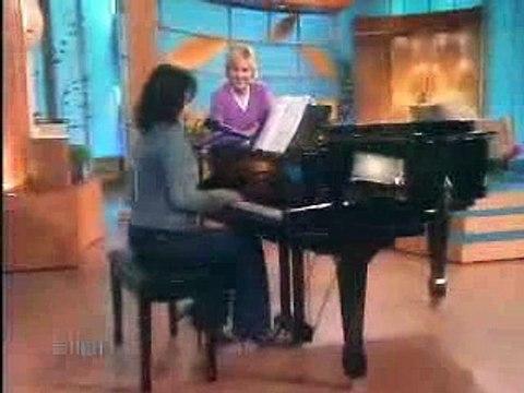 Lauren Graham singing