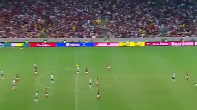 Angry Flamengo player gives ref incredibly hard handshake after 1-0 defeat to Vasco