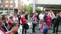 Esbva : la fête sur le parvis de la mairie après la mise à l'honneur des basketteuses villeneuvoises par la municipalité