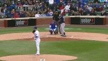 Baseball  Clint Barmes élimine son adversaire en lançant son gant