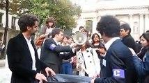 Circulaire Guéant : Les étudiants jettent leurs diplômes à la poubelle à la Sorbonne en France