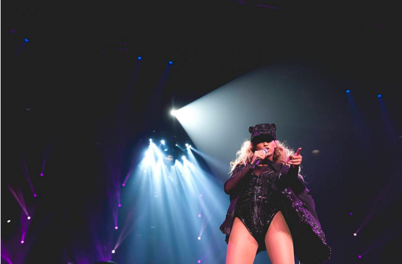Beyonce - If I Were A Boy/Bittersweet Simphony (Live) (The Mrs Carter Show World Tour - Rock In Rio