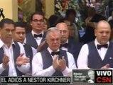 el momento mas emotivo de la despedida de kirchner