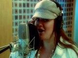 Jenni Rivera le canta a Eva Luna