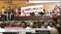 """Universitarios de Murcia piden al rector su dimisión: """"No dimito porque no me sale de los cojones"""""""