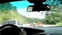 Petite balade en Porsche en mode course avec 2 motos