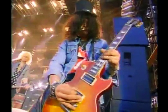 Guns N' Roses – Paradise City (Freddie Mercury Tribute)