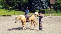 1ère leçon d'équitation de Chloé : un anniversaire de princesse