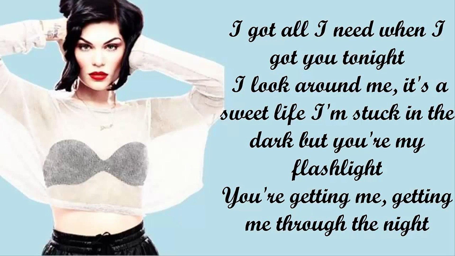 Jessie J - Flashlight Piano Instrumental/Lyrics (Karaoke)