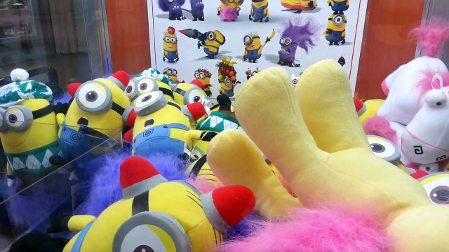 Playing Claw Machine - Despicable Me Toys - Unicorn Win!!!