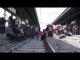 Aversa (CE) - Indesit, gli operai bloccano la stazione ferroviaria (18.04.15)