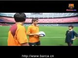 Deco teaches the children(1of2)---Deco教小孩踢球(上)
