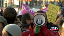 Espagne; plusieurs dizaines de milliers de personnes manifestent avec Podemos