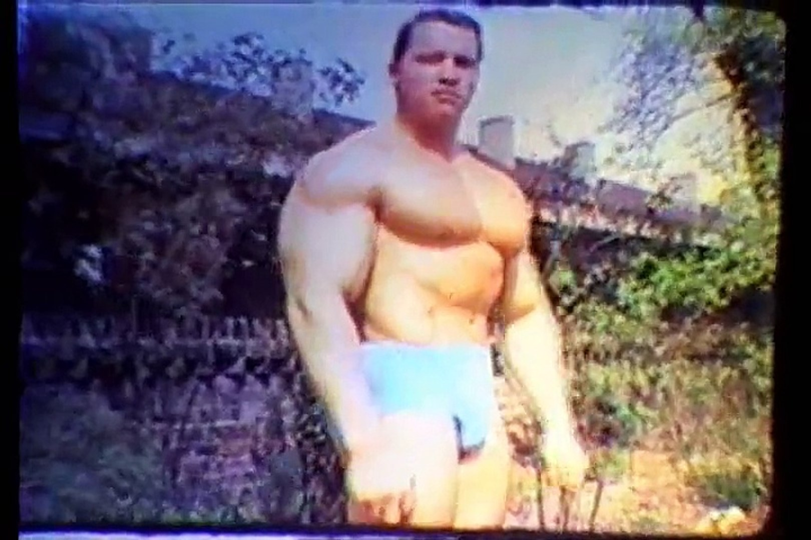 ARNOLD SCHWARZENEGGER - FOREVER YOUNG EARLY TRAINING AND POSING -  Bodybuilding Muscle Fitness
