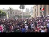 جامعة القاهرة تنتفض لمقتل طالب هندسة، وهتافات ضد طلاب الإخوان بسبب شعارات رابعة