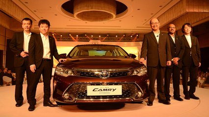 Toyota Camry Facelift Launched In Petrol And Hybrid, No Diesel