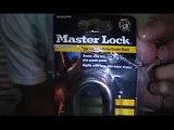 Lockpicking (Raking a lock)