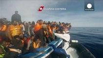 Dramma migranti: è corsa contro il tempo dei soccorsi, 4100 migranti salvati in 24ore