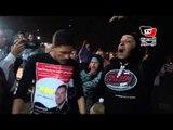 مناصر لـ«مبارك» يهدد بحرق نفسه احتجاجاً على ترحيله