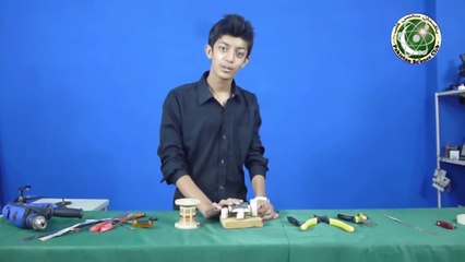 How to make simple Electric Generator (Urdu with English sub-title)